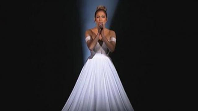 "Jennifer Lopez performs in a ""Normal-Looking"" Dress - Then the camera zooms out"