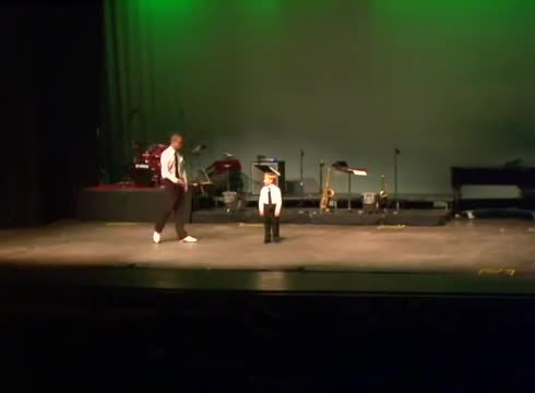 4-year-old steps onto stage with instructor, only for duo to bring the house down after moving