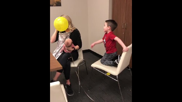 "Carrie Underwood delights son with helium-induced rendition of ""Happy Birthday"" 1"