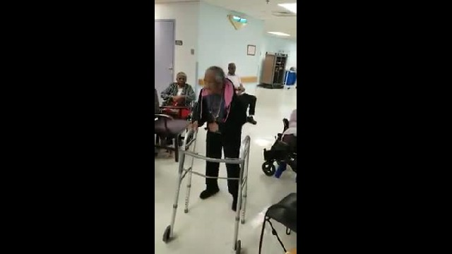 90-Yr-Old Asks Santa To Dance With Her. When I Saw Her Moves I Couldn't Help But Smile
