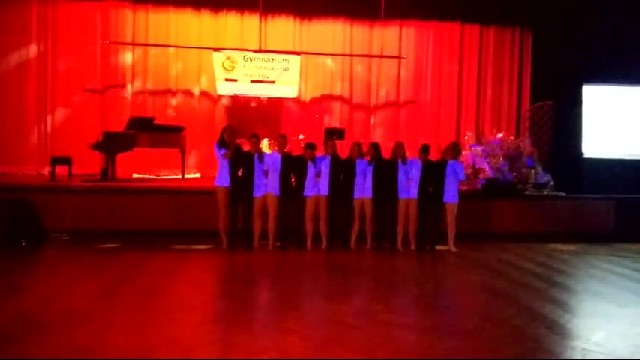 10 Students Perform Amazing Optical Illusion Dance - Inspirational Videos