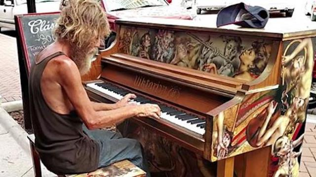 Homeless veteran gets second chance at life after hidden talent goes viral