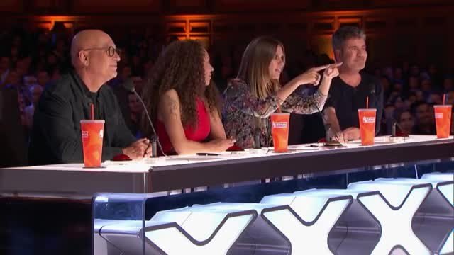 Simon Cowell abruptly stops country singer in the middle of 'AGT' audition