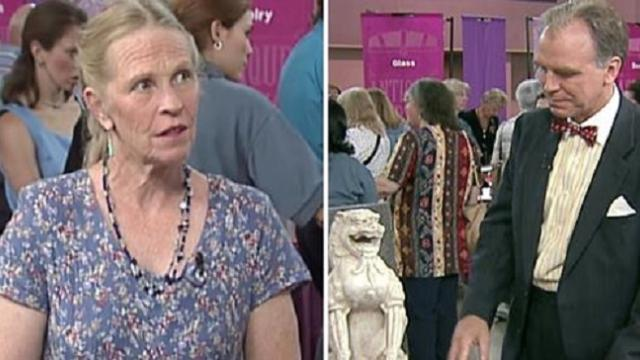 Woman brings in old lion statue never expecting it would bring appraiser to tears