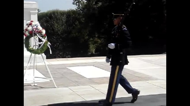 Tourist Disrespectfully Laughs At Tomb Of Unknown Solider. Guard's Response Has Me Cheering Loudly