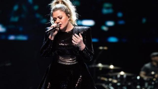 Fans think Kelly Clarkson's cover of 'Shallow' from a star is born is better than the original