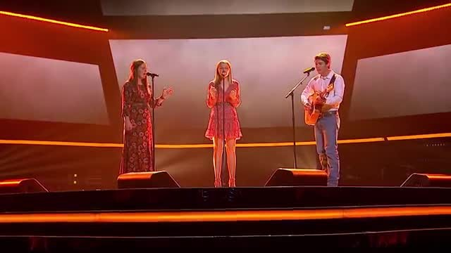 "2 sisters start singing ""Fast Car"" — brother joins & judges instantly take notice"