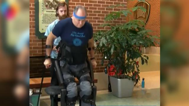 Paralyzed veteran captured on video walking for first time in nearly 30 years