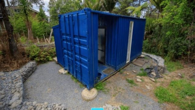 Woman finds boring, used shipping container - turns it into adorable 107-sq-ft sanctuary