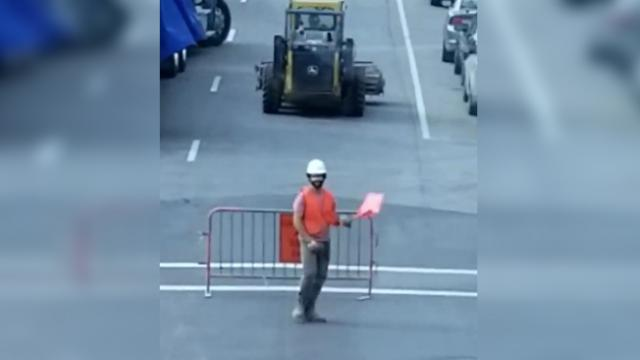 Construction worker has motorists dying laughing with hysterical