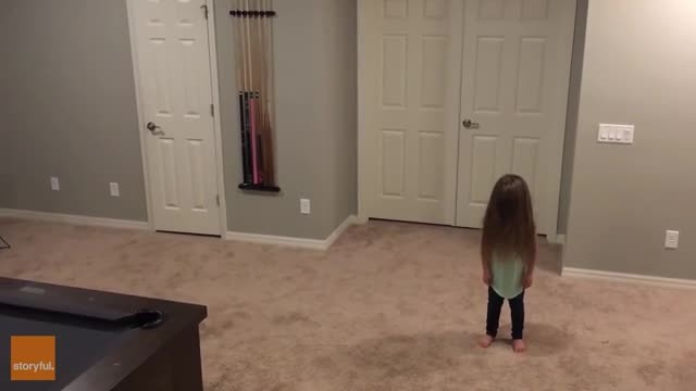 Toddler perfected her routine over months. Just 4 seconds into her dance, her brothers take it to th