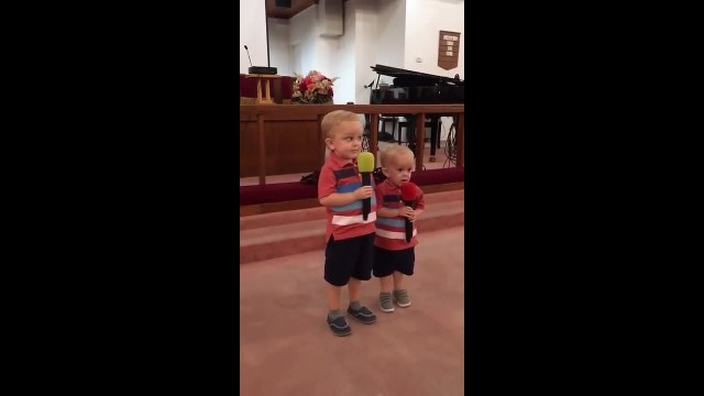 Little boys step onstage at church with song choice that goes viral overnight