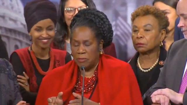 Video: Omar caught laughing in background while Dem colleague speaks about dead American soldiers