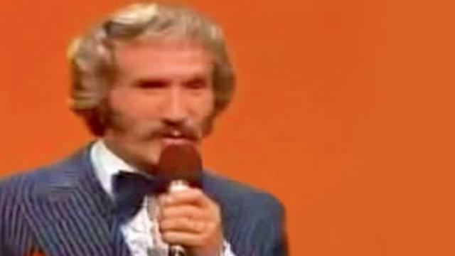 Marty Robbins astounding live performance of A while sport coat