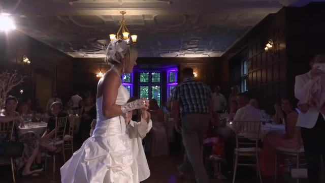 He Planned A Dance With Mom On Her Wedding Day - But None Of The Guests Expected THIS