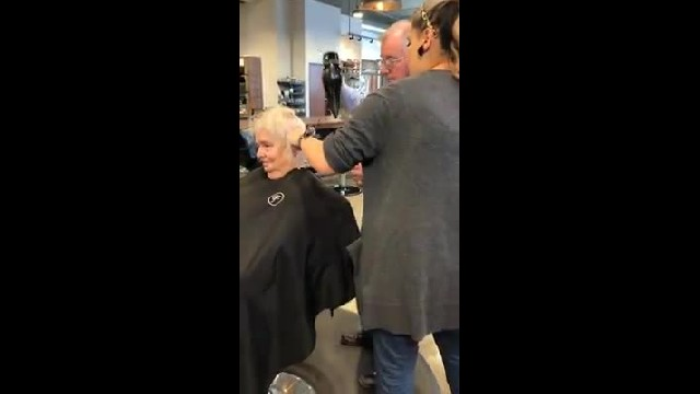 Husband takes brush out of hairstylist's hands leaving entire salon in tears