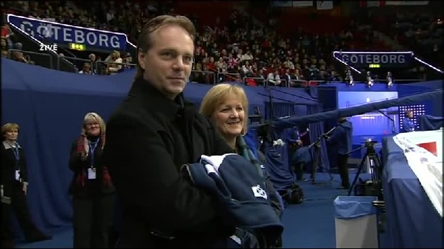 Scottish siblings original ice dance has everyone cheering during the routine