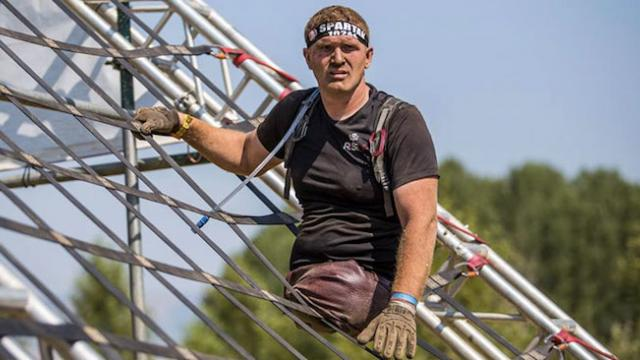 Man with no legs finishes 13 mile spartan race & the video will inspire you.