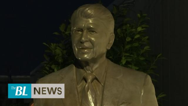 Reagan statue unveiled in Berlin