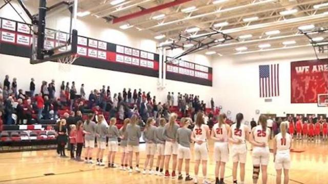 Players freeze when national anthem song won't play until chilling noise suddenly takes over room