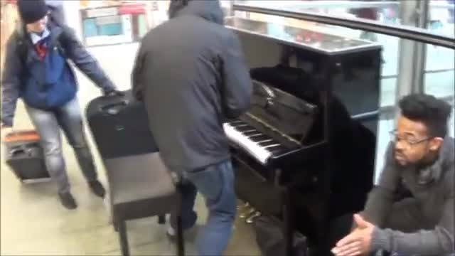 Older man unleashes piano performance so intense passersby suspect he's someone famous
