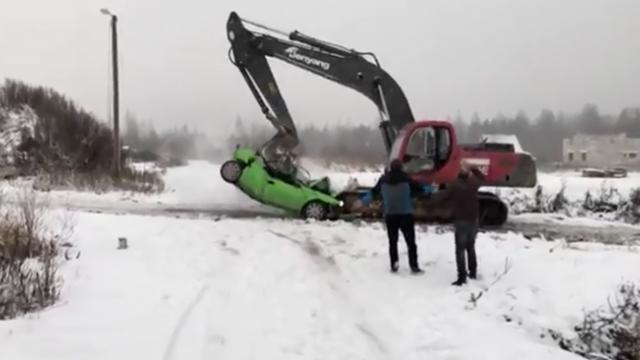 Instant karma! This is what happens when you mess with an excavator driver for no reason!