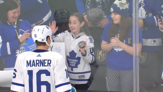"Girl asks pro hockey player to be her ""Valentine"" & he has the best response"