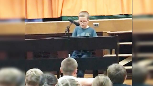 4th grader sings 'Imagine' and leaves all the parents in tears