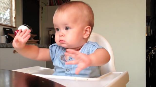 This 9-month-old baby started to dance when a popular hip hop