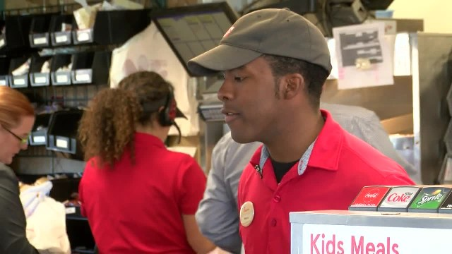 """Are you serious, man?!"": Chick-fil-A cashier stuns customer by keeping his change for 3 weeks, then"