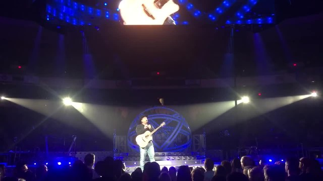 After missing her audition, woman called onstage. Her song left everyone in tears, including Garth B