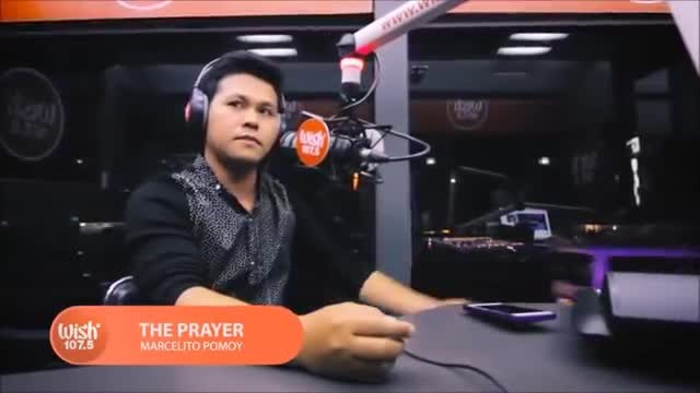 90 seconds into singing 'The Prayer' man's voice suddenly changes and it goes viral