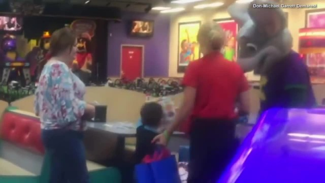 No One Shows Up To Boy's Chuck E. Cheese Birthday, Then Employee Calls Mom And Says To Come Back