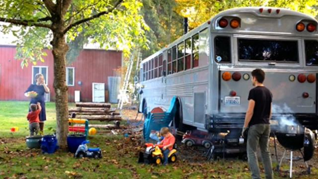 Couple spent too much on rent, so they bought a bus and moved in with their two kids