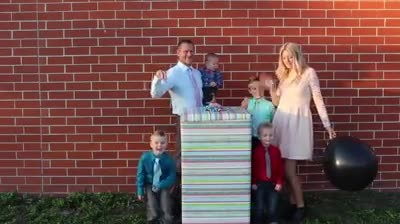 Pregnant mom plans gender-reveal trick—but when dad digs into the mystery box, she does this