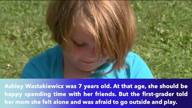 7-year-old desperately records message to bully on social media, then bikers knock on her door to pr