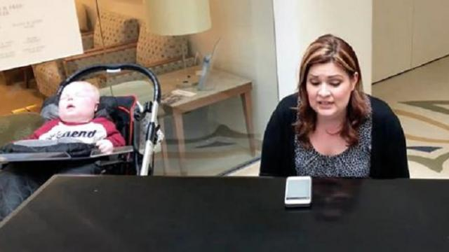 Mom plays piano to son in hospital waiting room, but when nurse