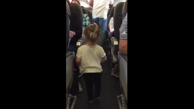 Passengers Roll Eyes When Toddler Gets On Plane, But What She Does Next Melts Their Hearts