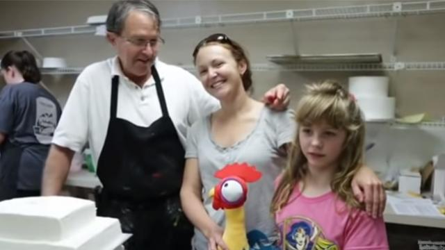 Mom orders cake for autistic daughter, the the bakery's response left her in tears