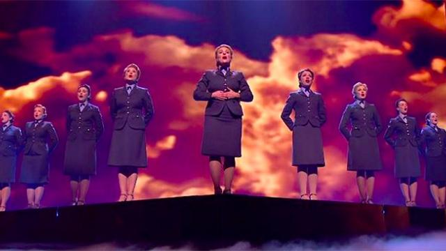 Crowds in awe as women sing WWII llassic erupting when special