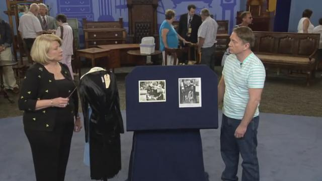 "Man brings in Marilyn Monroe's ""Some Like It Hot"" dress for an appraisal that knocks him over"