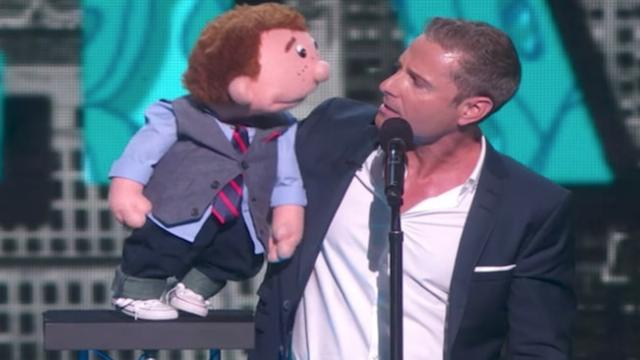 Ventriloquist gets angry during show, now pay attention to what his dummy does