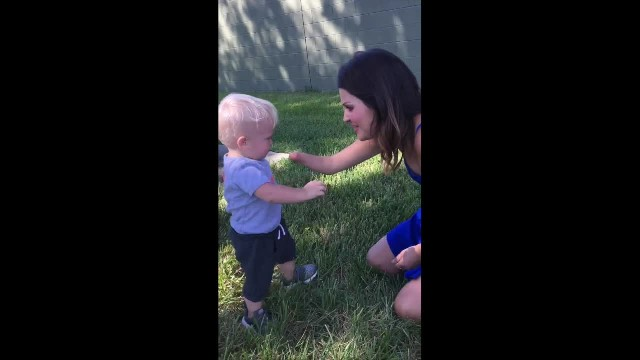 Precious 1-year-old boy hugged stranger the moment he realized she has a missing limb too
