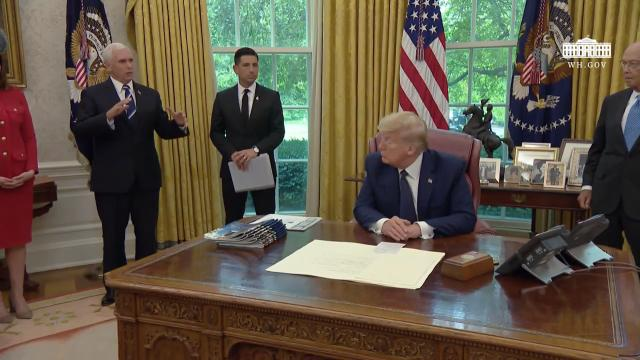 President Trump and The First Lady receive a briefing on the 2020 hurricane season