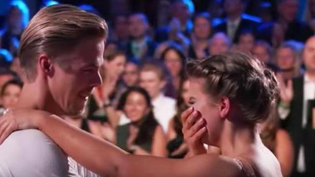Bindi Irwin breaks down in tears during emotional tribute to her late father, Steve Irwin