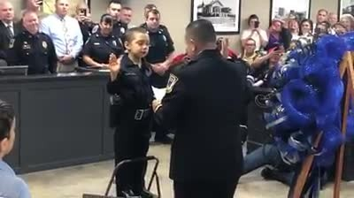 Little girl with cancer gets her wish to become a police officer fulfilled