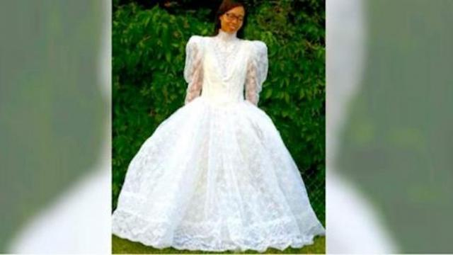 Mom buys poofy wedding gown at thrift store, then transforms