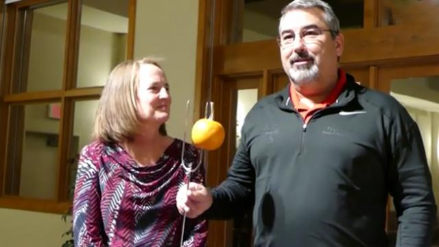 Over 400 people in 'Giving Mob' surprise couple to help pay medical bills from cancer
