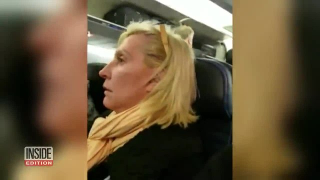 Rude Woman Fat-Shaming Fellow Passengers And Calling Them '2 Pigs', Gets Kicked Off Plane