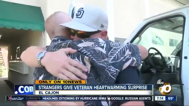 Veteran drops to knees crying after complete strangers show up at apartment with furniture